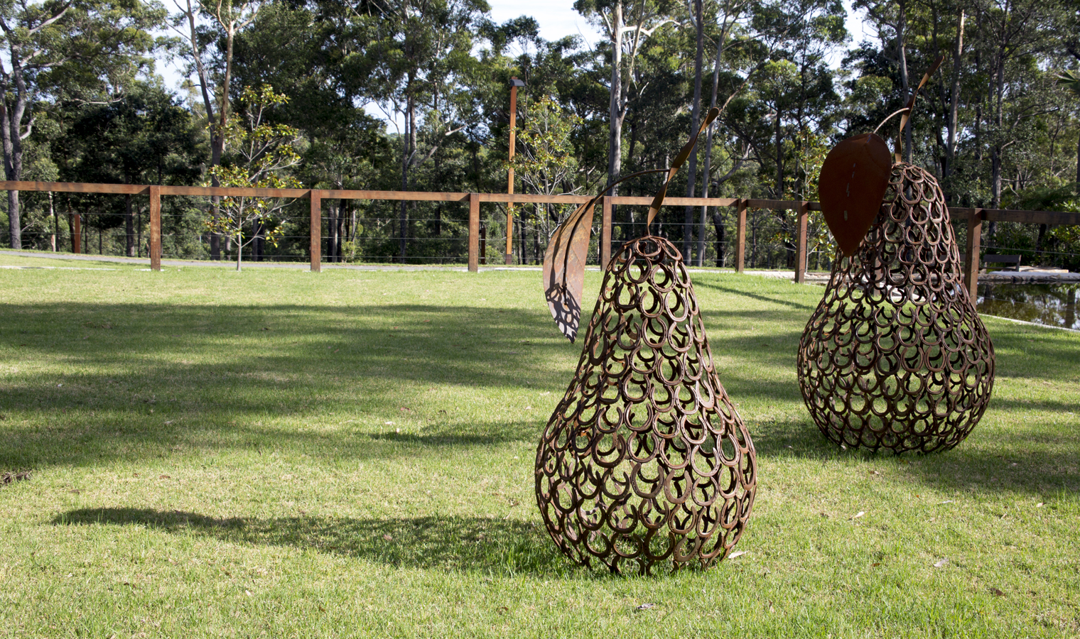pears-Sculpture-website-template-size-1520x900