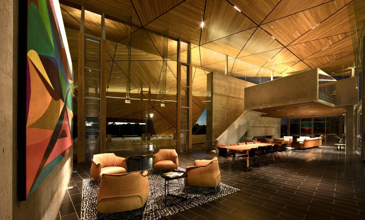 Grand Prix Lounge